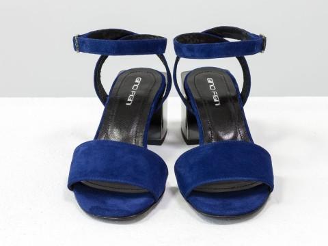Женские синие босоножки из натурального замша на квадратном каблуке