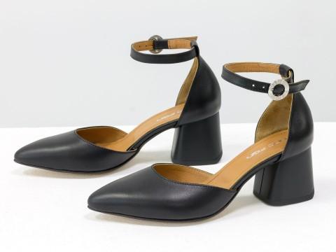 Женские классические туфли с ремешком из натуральной кожи черного цвета