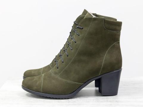 Женские ботинки со шнуровкой из матовой кожи зеленого цвета на удобном каблуке