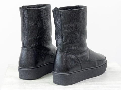 Зимние высокие ботинки из натуральной черной кожи на утолщенной подошве