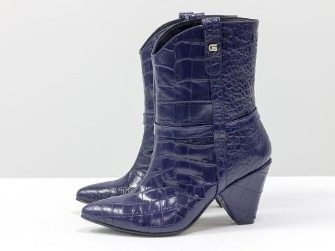 Синие лакированные сапоги казаки из натуральной кожи на удобном каблуке