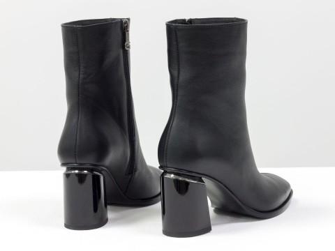 Классические черные ботильоны на каблуке из натуральной кожи
