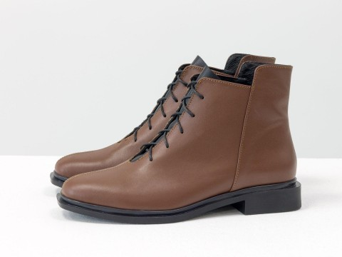 Женские демисезонные ботинки коричневого цвета из натуральной кожи
