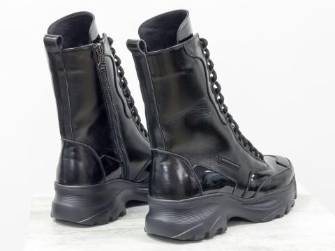 Высокие ботинки берцы черного цвета из натуральной блестящей и лаковой кожи