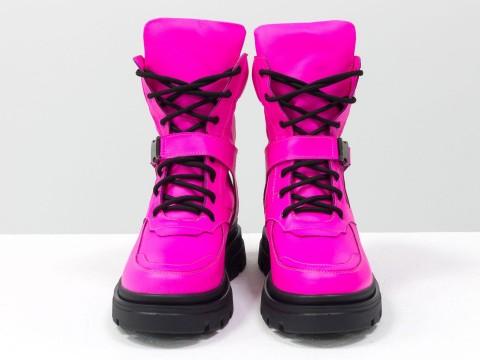 Женские розовые ботинки из натуральной матовой кожи на модной подошве