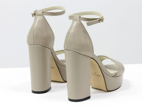 Бежевые босоножки на высоком каблуке из натуральной гладкой кожи