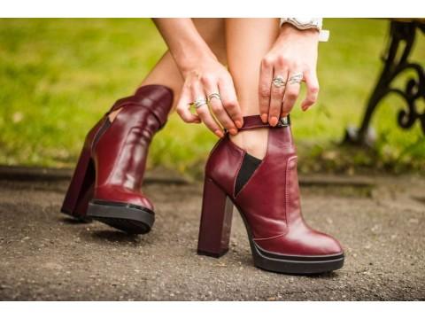Ботинки шикарные бордового цвета