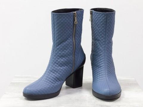 Кожаные ботинки на среднем каблуке из натуральной кожи серо-синего цвета