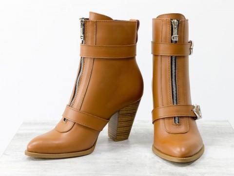 Женские ботильоны на среднем каблуке из натуральной кожи светло коричневого цвета