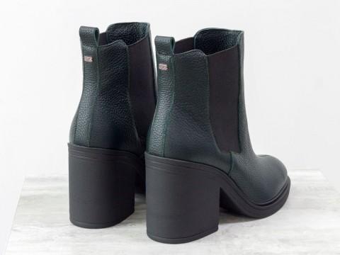 Женские ботинки свободного одевания из натуральной зеленой кожи на каблуке
