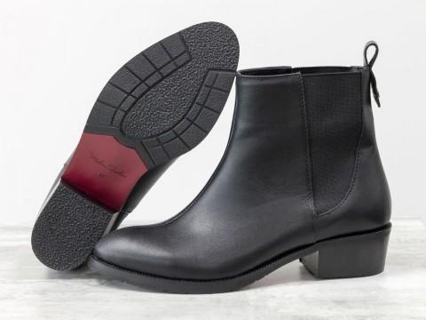 Женские классические ботинки из черной кожи на маленьком каблуке