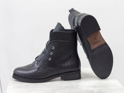 Женские весенние ботинки из натуральной черной кожи на шнуровке