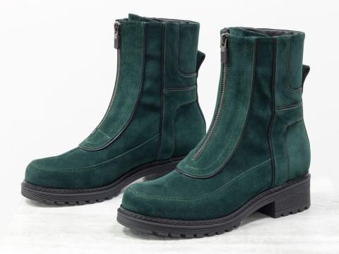 Женские зимние ботинки из натурального замша зеленого цвета