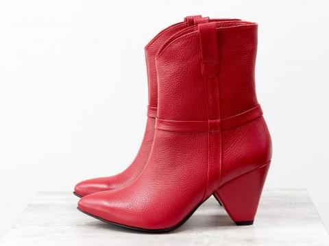 Красные сапоги казаки из натуральной кожи флотар на треугольном каблуке