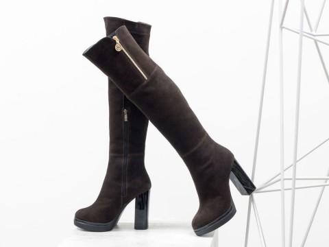 Высокие коричневые ботфорты из замши на каблуке, М-16073-07