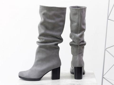 Замшевые серые сапоги на удобном каблуке, сезон осень-зима
