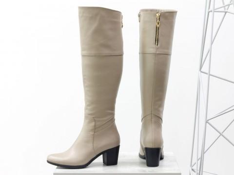 Женские высокие сапоги бежевого цвета на среднем каблуке, М-123-12