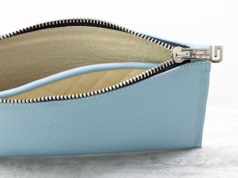 Женскийкожаный клатч небесно-голубого цвета