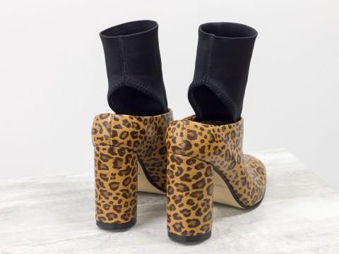 Леопардовые туфли из натуральной кожи с открытой пяткой на каблуке