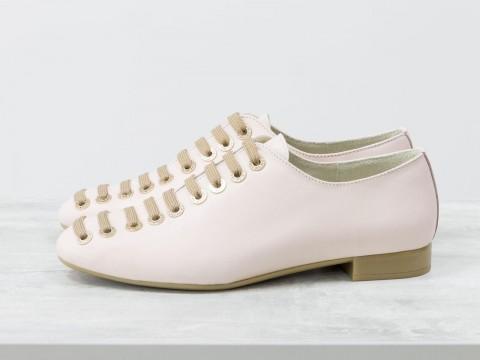 Женские светло-розовые туфли из натуральной кожи на шнуровке по всей высоте