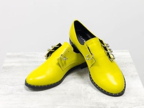 Женские желтые туфли дербииз натуральной кожи