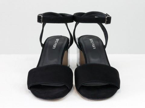 Женские черные босоножки из натуральной замши на квадратном каблуке