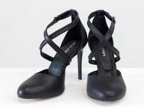 Туфли с ремешками из натуральной кожи черного цвета на шпильке