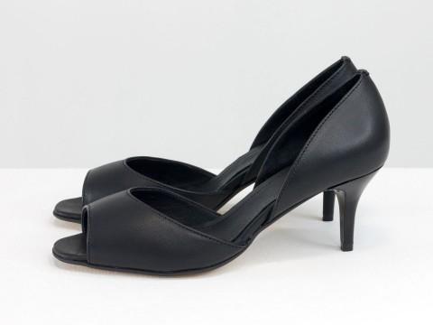 Летние туфли с открытым носиком на невысокой шпильке из натуральной кожи черного цвета, С-1956-09