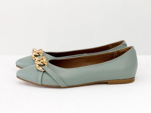 Женские туфли на низком ходу из натуральной серо-голубой кожи с золотой фурнитурой, Т-2109-04