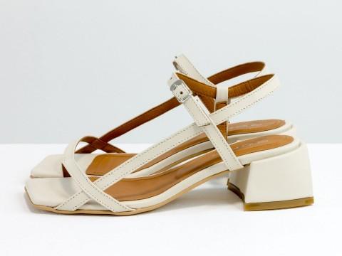 Дизайнерские молочные босоножки на каблуке из натуральной итальянской кожи, С-2141-03