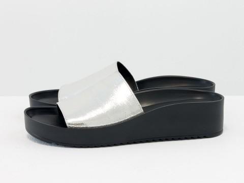"Шлепки на платформе из мягкой кожи цвета ""серебро"", С-560-17"
