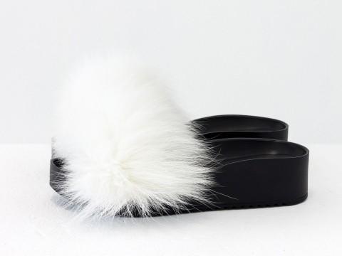 Меховые шлепанцы из кожи черного цвета с мехом из натурального песца белого цвета, С-563/1-01