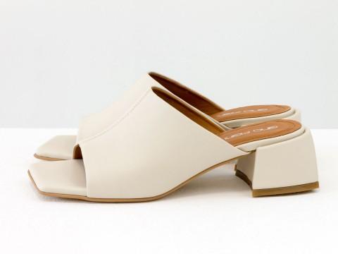 Дизайнерские молочные шлёпанцы на небольшом каблуке из натуральной итальянской кожи, С-2127-07
