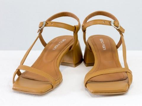 Дизайнерские коричневые босоножки на обтяжном каблуке  из натуральной итальянской кожи