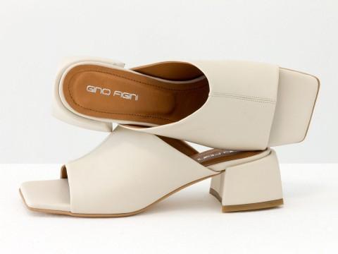 Дизайнерские молочные шлепанцы на устойчивом каблуке из натуральной итальянской кожи