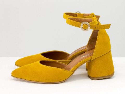 Классические туфли из натуральной замши-велюр горчичного цвета на расклешенном каблуке, С-2013-03