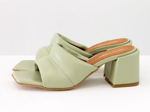 Дизайнерские оливковые шлёпанцы на небольшом каблуке из натуральной итальянской кожи, С-2120-02