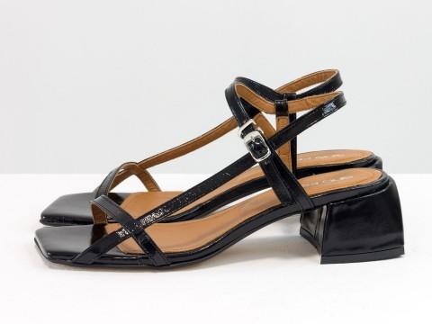 Дизайнерские черные лаковые босоножки на каблуке из натуральной итальянской кожи, С-2141-07