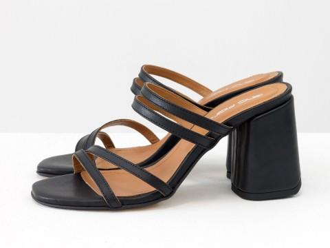 Классические босоножки черного цвета на расклешенном каблуке, С-2038-02