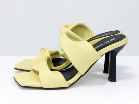 Дизайнерские желтые шлёпанцы на каблуке из натуральной мягчайшей  итальянской кожи, С-2137-01